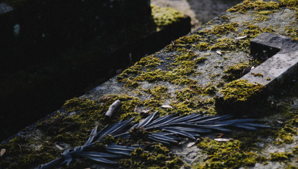 CONCEPT-MARBRe-article-Comment-choisir-son-monument-funéraire-en-fonction-de-sa-religion
