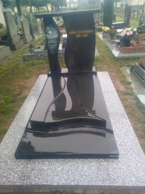 Concept marbre - monument funéraire marron