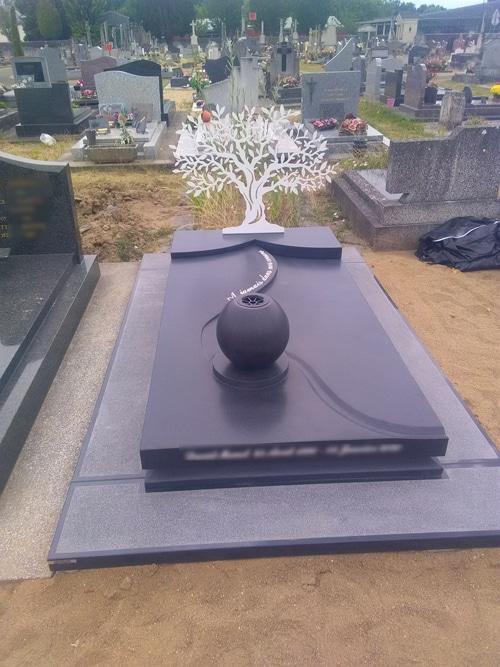 Concept marbre - monument funéraire arbre inox marin